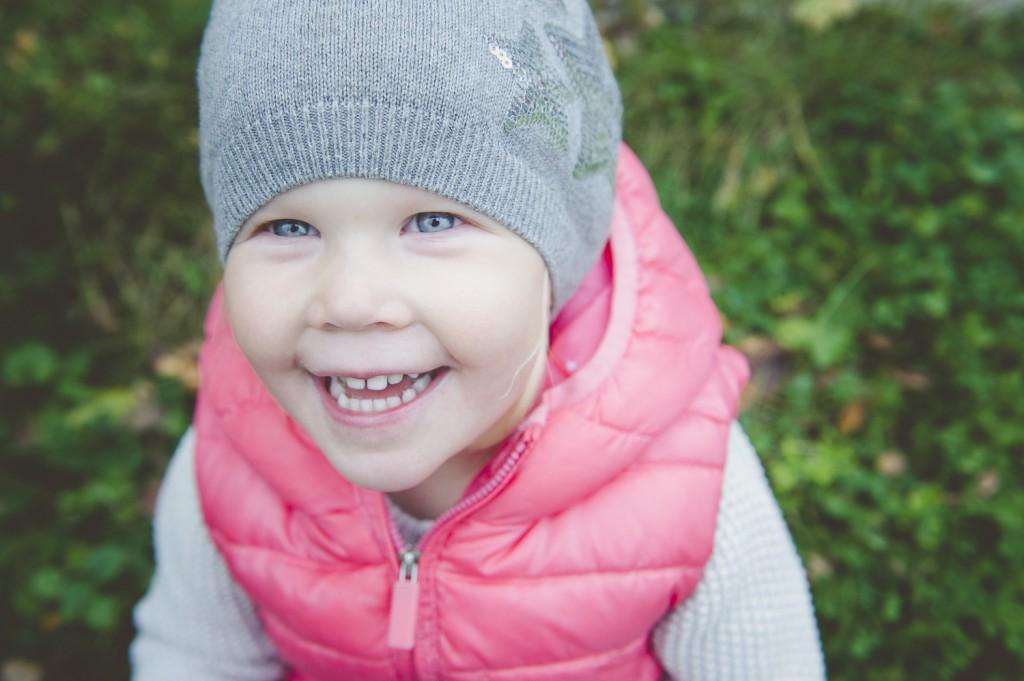 barn, syskon, barnfotograf, syskonfotograf, Moment Design, Playful Heart, sommar, Stockholm, Vallentuna, Täby,fotograf,Enköping