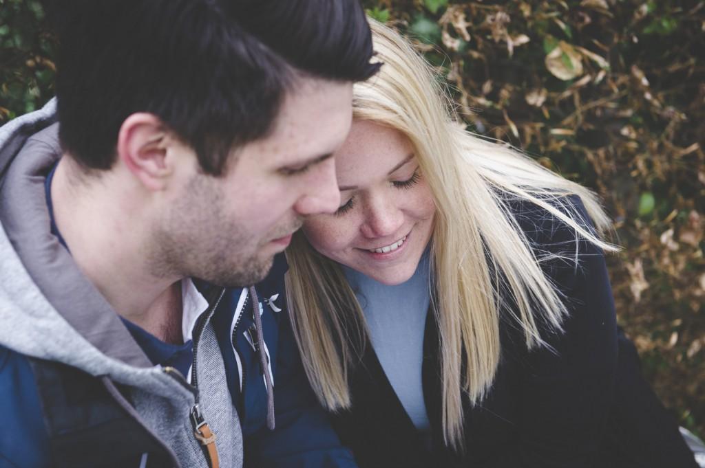 Förlovningsfotografering i Enköping
