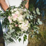 Brud, bröllop, sommarbröllop, Lidingö, Lidingö kyrka,brudbukett