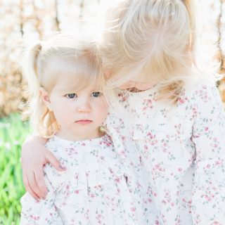 barn, familj, barnfotografering, syskon, familjefotografering, drömparken, enköping, park, mors dag, morsdagsfotografering